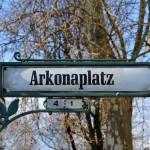 Bei 22 Grad und Sonnenschein – Infostand am Arkonaplatz